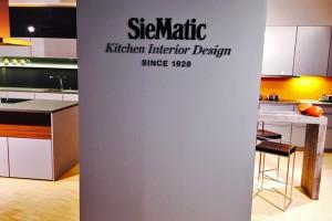 Parkettaufarbeitung im Siematic Wideras Küchenstudio Bad Homburg